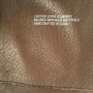 Born Shoes - Beautiful leather born boots